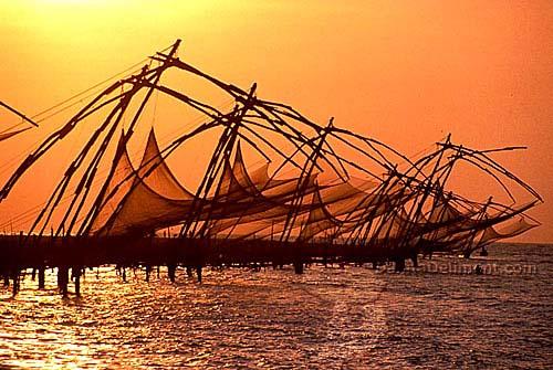 http://www.danitadelimont.com/images/newsletter/summer05/big-pics/NWH-Chinese-Fishing-Net.jpg